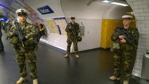 Opération Sentinelle marine métro Paris