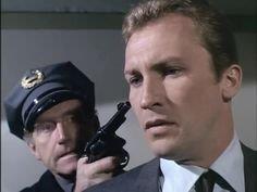 Les Envahisseurs policier menace David Vincent