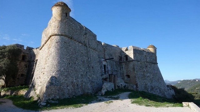 Mont Alban fort