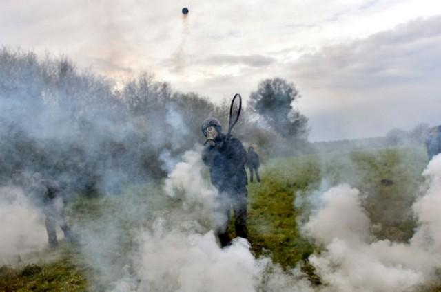 Notre-Dame-des-Landes zadiste renvoie grenade lacrymogène raquette tennis