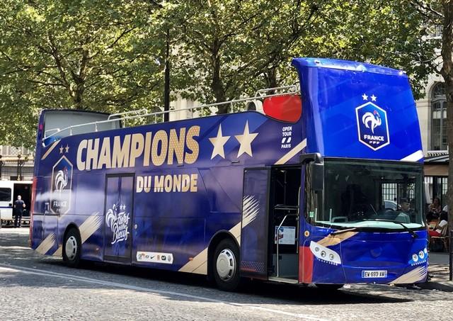 Bus impériale Équipe France foot 2018