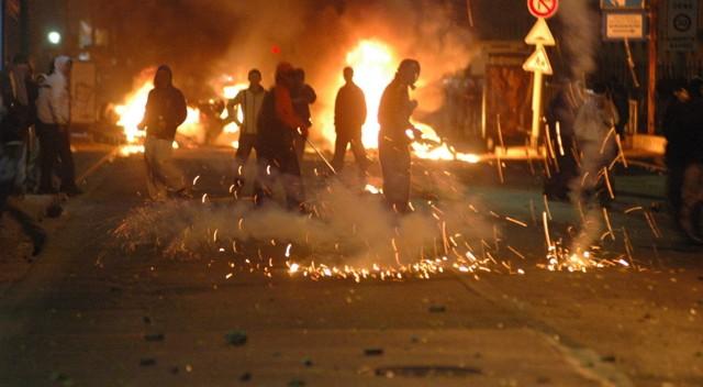 Émeutes quartiers jeunes immigrés racailles
