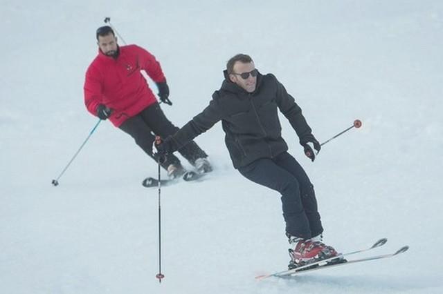 Macron skie Benalla skie