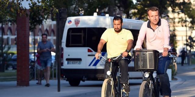 Macron vélo Benalla vélo