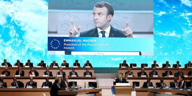 Macron champion Terre