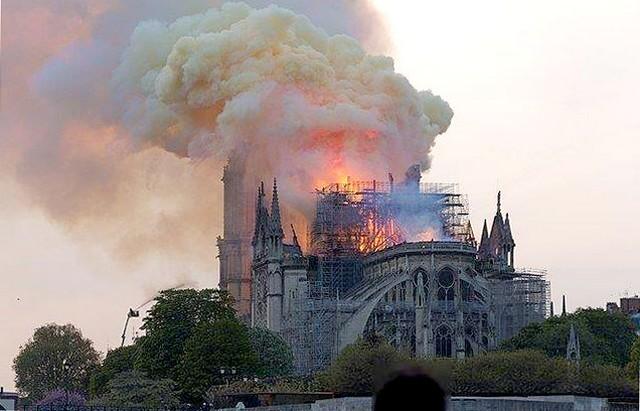 Notre-Dame de Paris et la France secrète