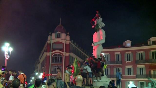 Suporters algériens Place Masséna Nice 20 juillet 2019