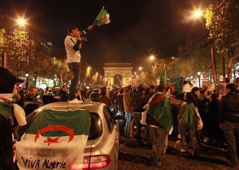 Supporters algériens Champs Élysées 11 juillet 2019