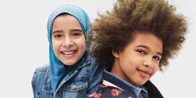 Gap publicité enfants métisse musulmane