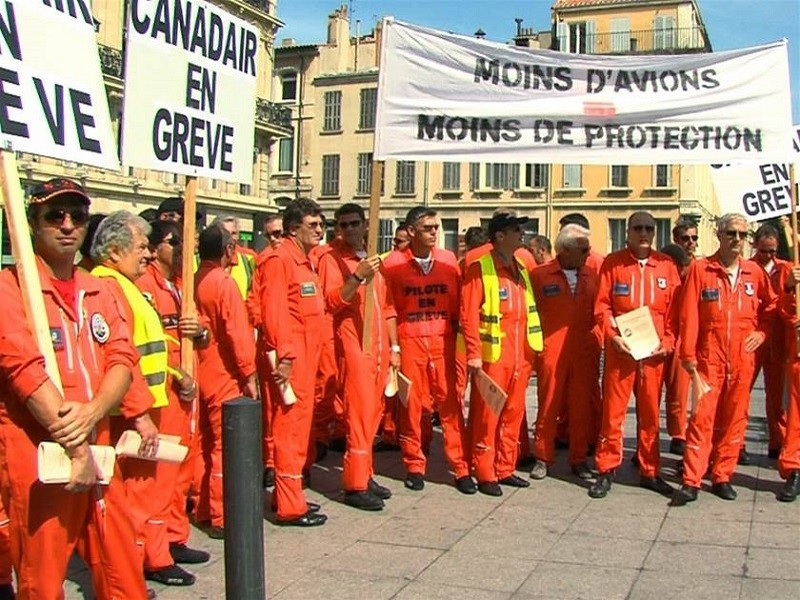 Pilotes Canadairs grève Marseille 2012