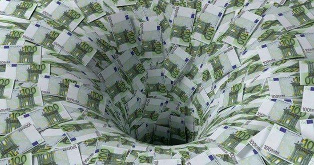Cannes: 300 000 euros jetés à l'eau