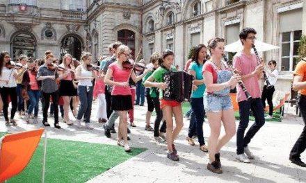"""Investiture pour les municipales: «gay-friendly» ou rien chez <span class=""""caps"""">LREM</span>"""