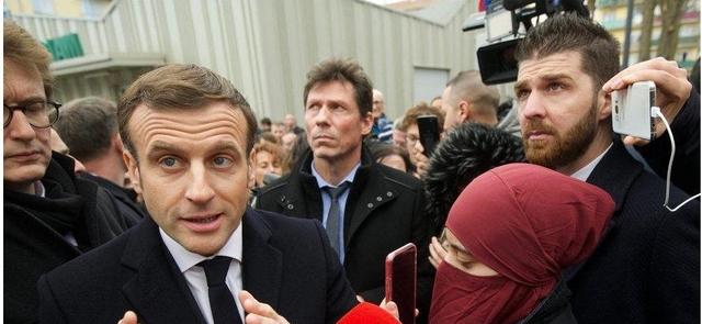 Macron - Mulhouse - Femme voilée