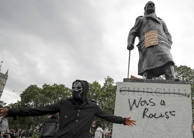 Churchill raciste