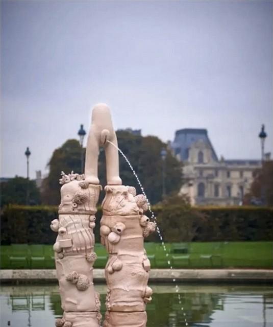 Hommage aux figures de la féminité triomphante - Place royale Nantes