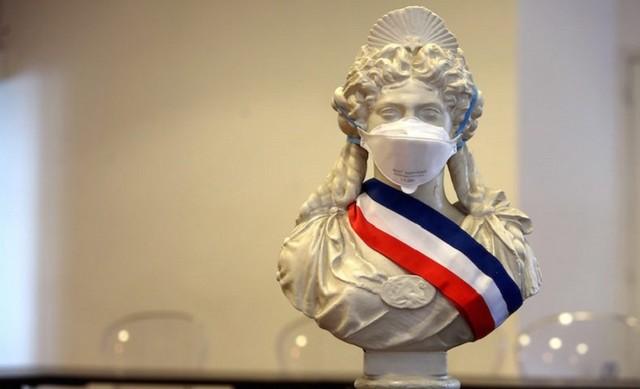 Marianne masquée