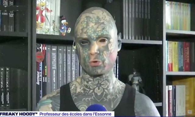 Sylvain alias Freaky Hoody - Instituteur tatoué