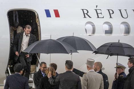Otages Picque Lassimoullas - Arrivée en France - Copie