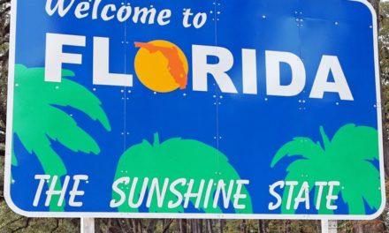 En Floride, le gouverneur lève les restrictions imposées aux bars et aux restaurants