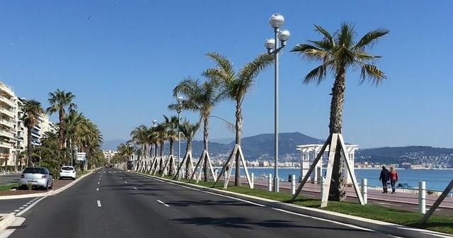 Nice Promenades Anglais déserte - Confinement