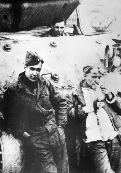 Valéry Giscard Estaing - Guerre - Char assaut Carrousel