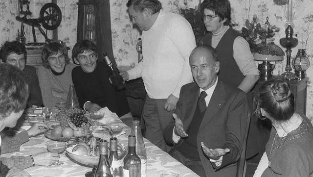 Valéry Giscard Estaing - Popula