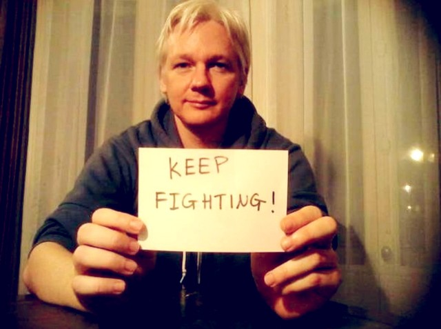Julina Assange - Keep fighting